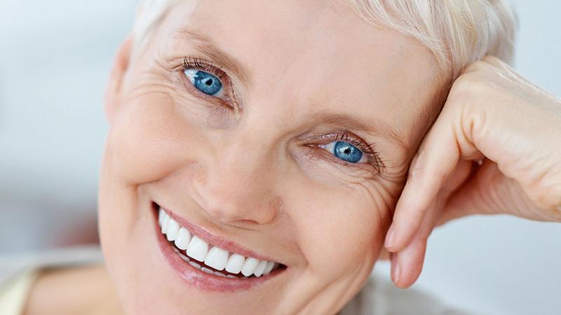 prótese-dentária-tipo-protocolo-acrílico-porcelana